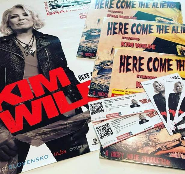 fanpack LP KIM WILDE Here Come the Aliens