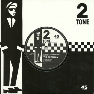 "vinyl 7""SP THE SPECIALS Sock It To 'Em J.B. (Dub) / Rat Race (Dub)"
