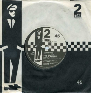 "vinyl 7""SP THE SPECIALS Stereotype"
